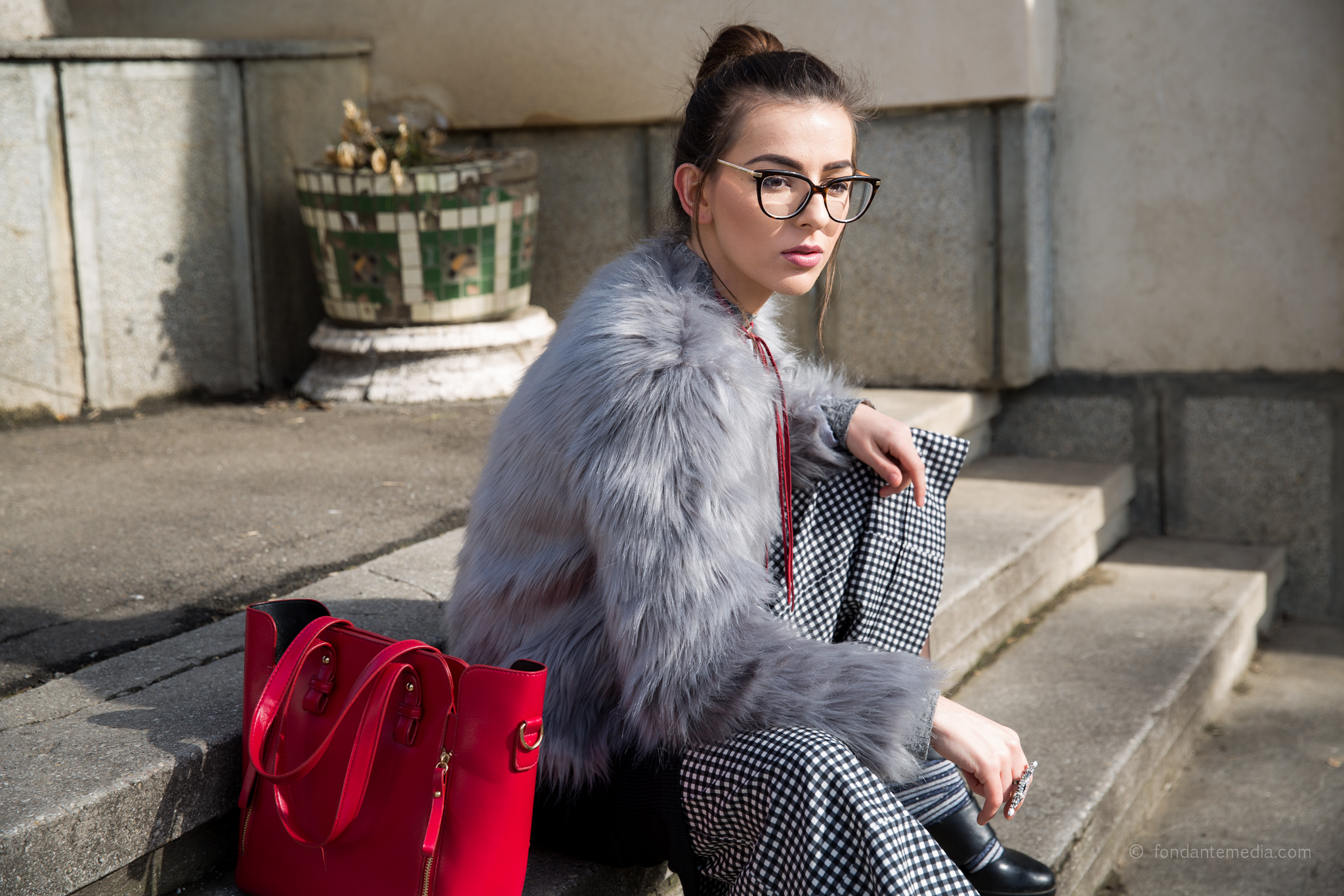Amiclubwear, fur coat, fashion blog, everbril, jadu, bag, turtleneck, pants, zara, dress, ramonacervenciuc.ro